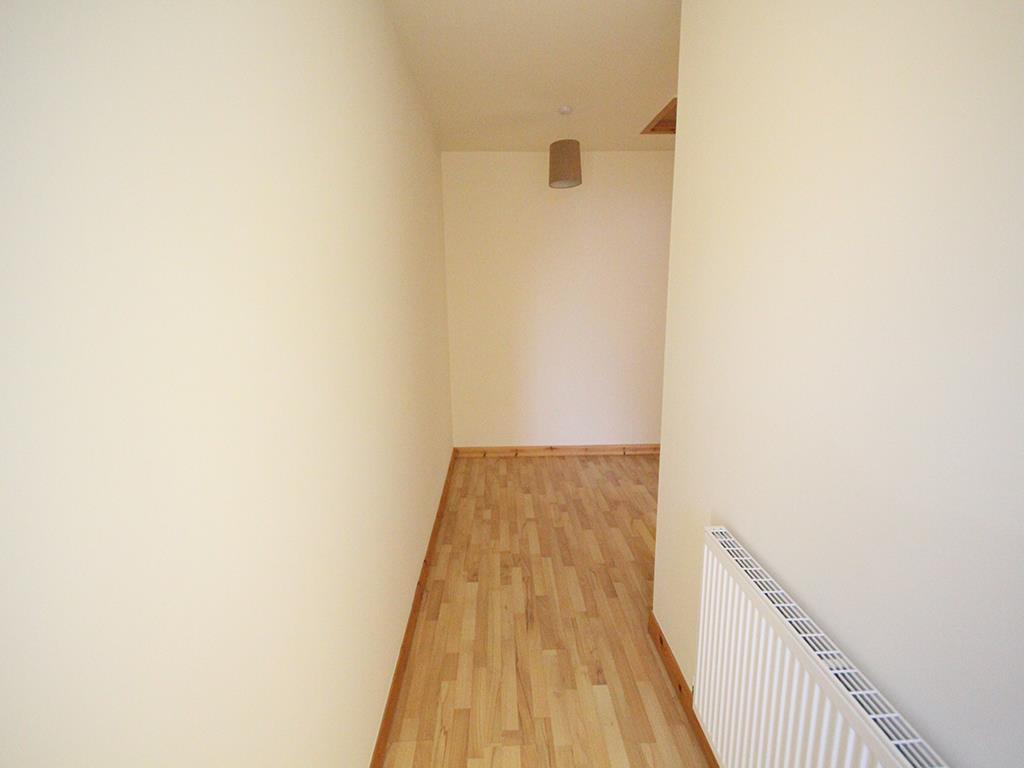 2 bedroom apartment For Sale in Colne - IMG_1336.jpg